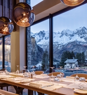 Vista del Monte Bianco della vetrate del ristorante