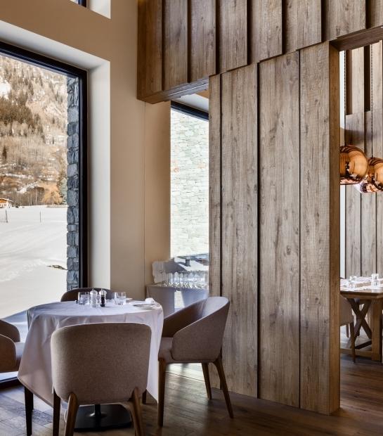 Wood finishes of La Fourchette Restaurant