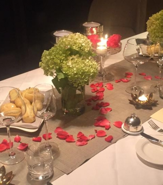 Restaurant private with romantic decorations